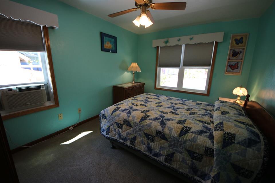 208sycamoreupperbedroom