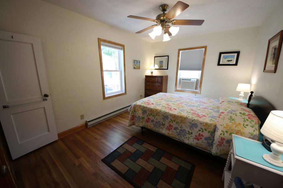 208sycamorebedroom
