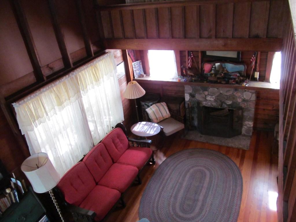 livingroomandfireplace