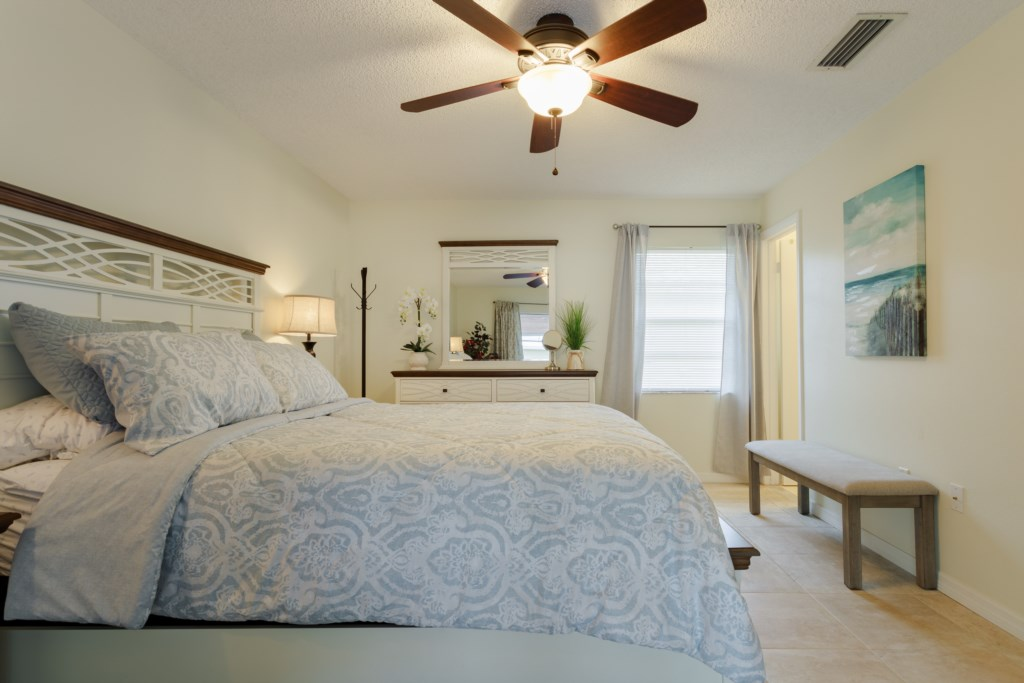 Master Queen Bedroom with ceiling fan - great room to relax