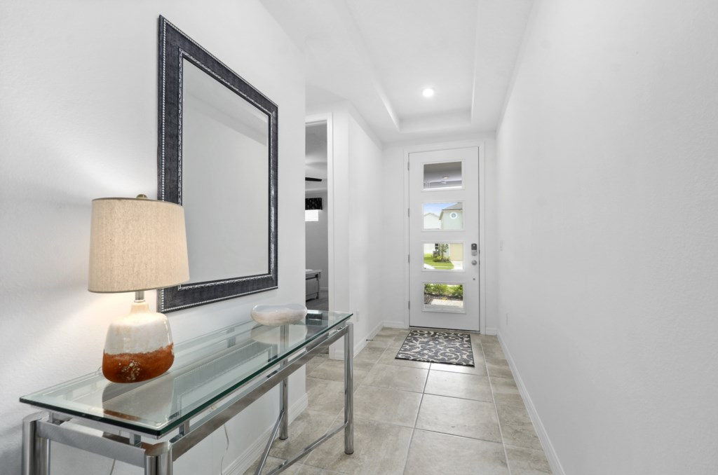 Front Entrance Foyer - Equipped with electronic lock for easy, worry free, entry and lock up.