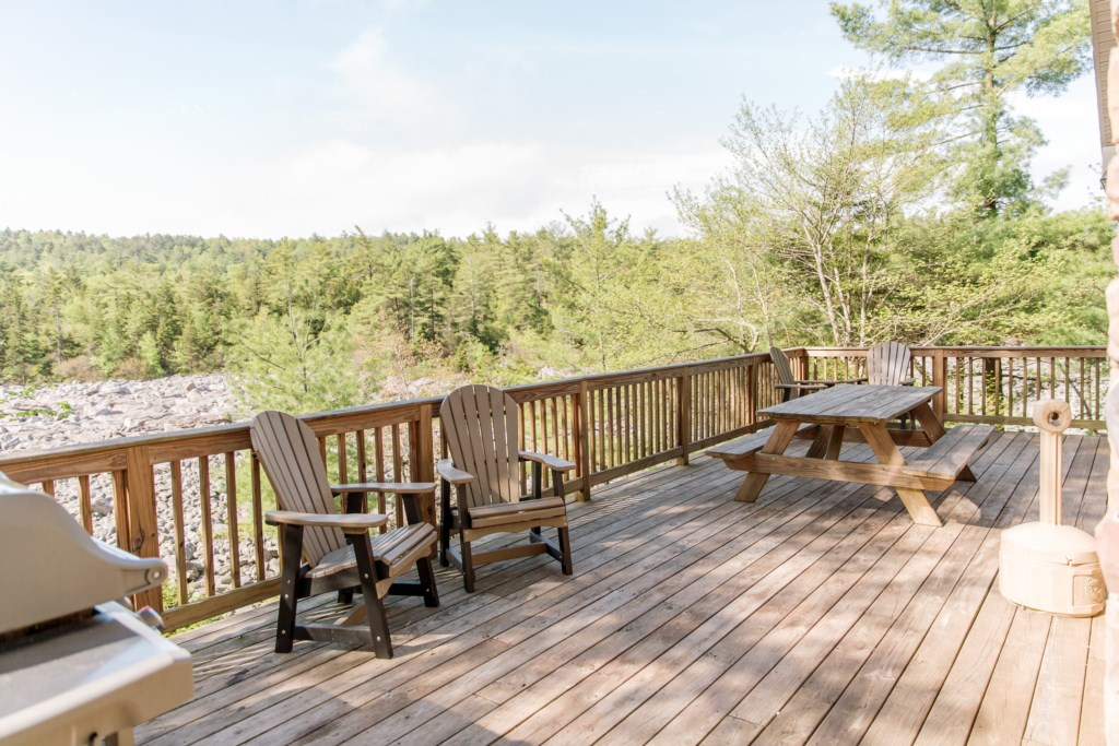 Spacious back deck, overlooking the beautiful Boulder Field.