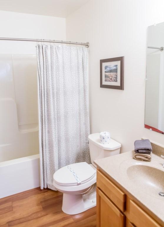 Shared Bath - Bedroom Three / Four