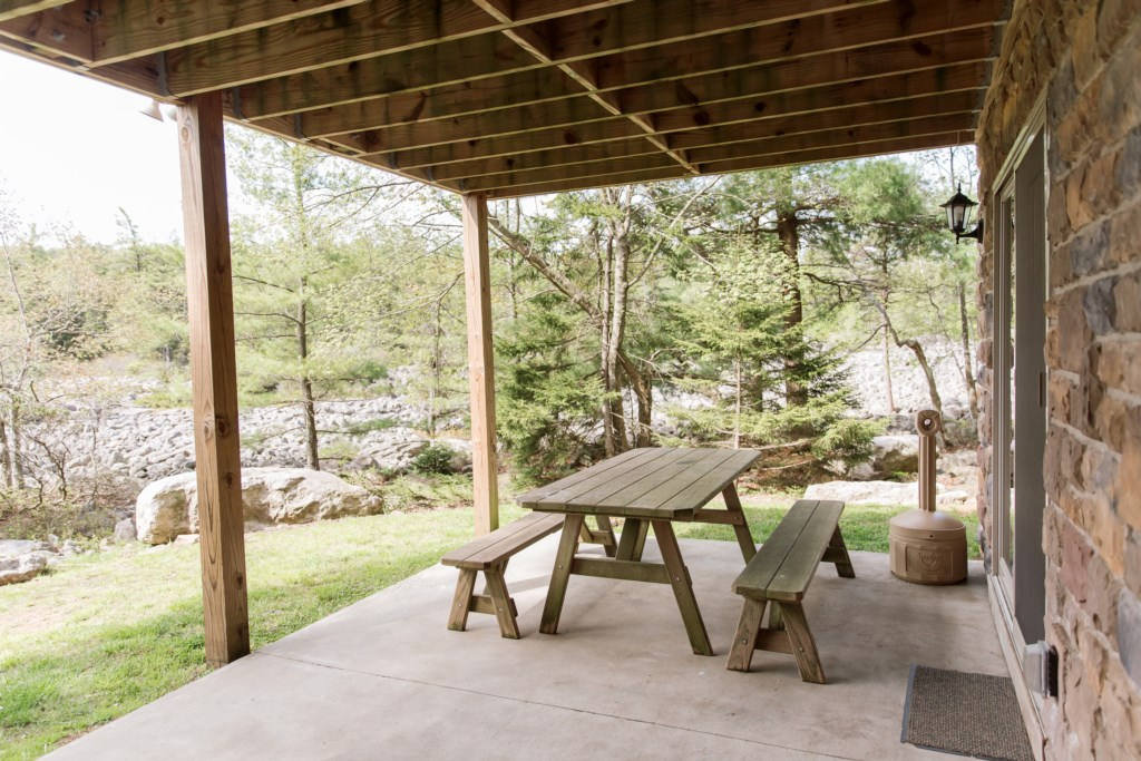 Outdoor picnic table seating - Snack time by the hot tub, anyone?