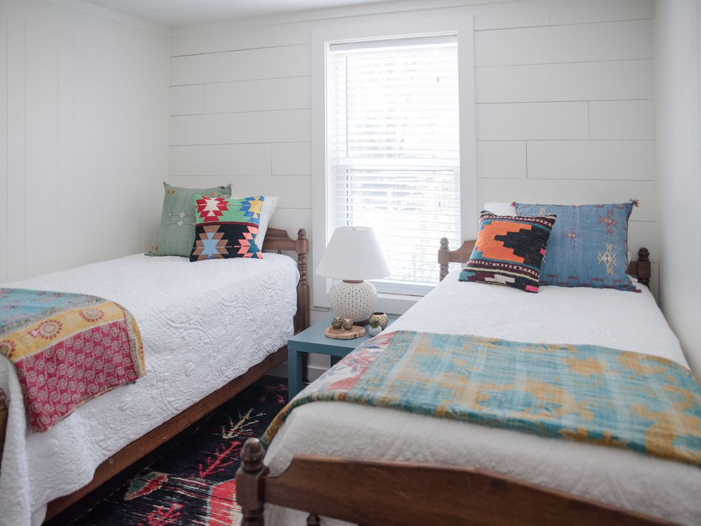 Twin Bedroom, Guest House