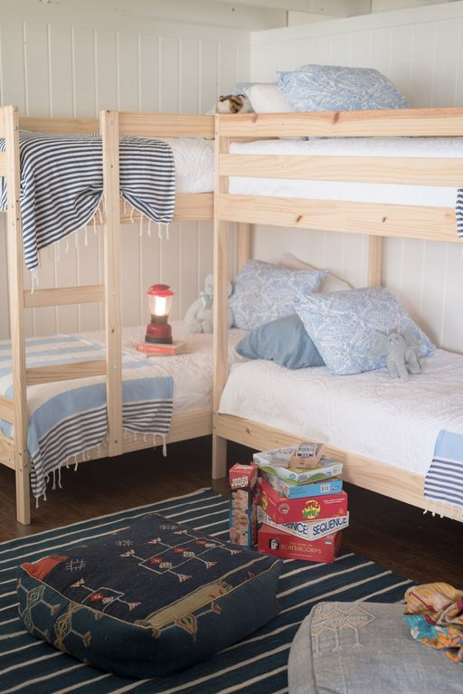 Bunk Room Lakefront Home Downstairs