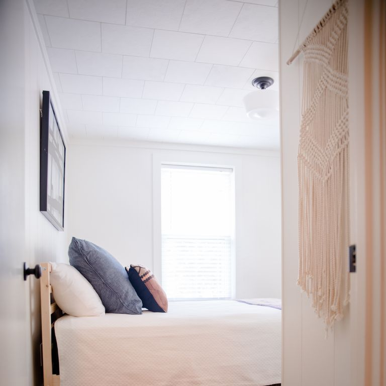 Guest Room, Guest House
