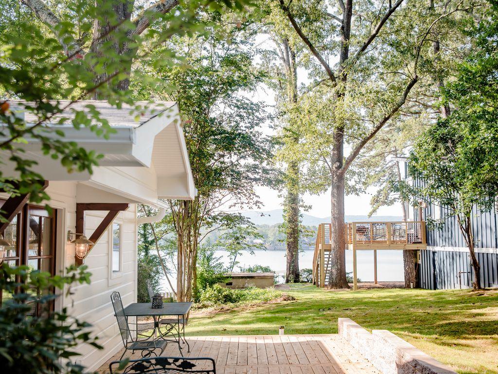 Cottage Lake View