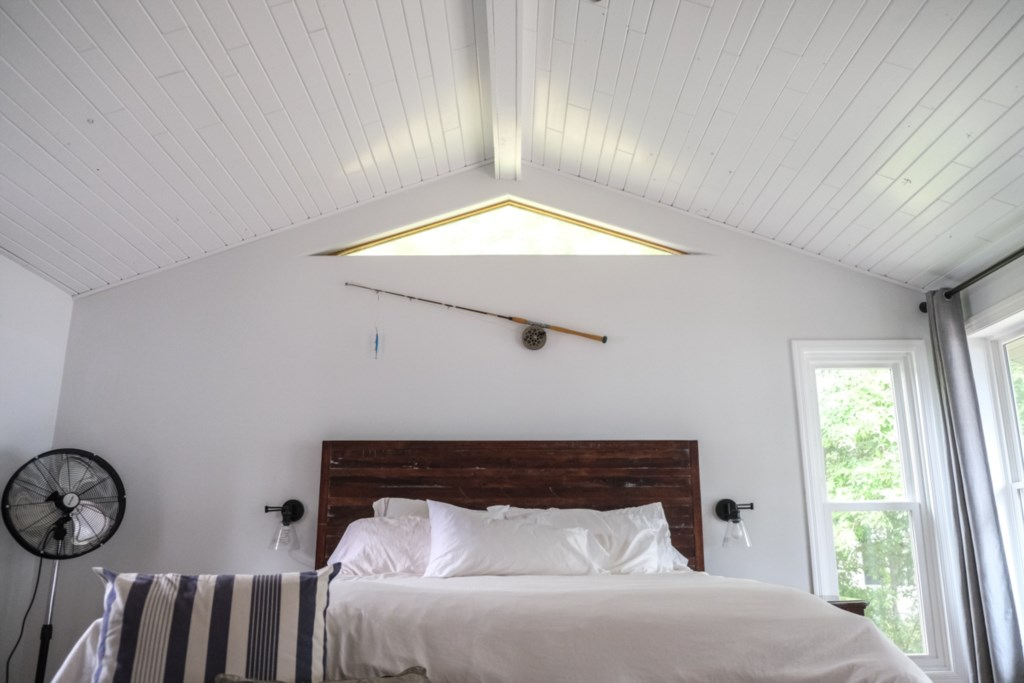 Beautiful vaulted ceiling in main bedroom.