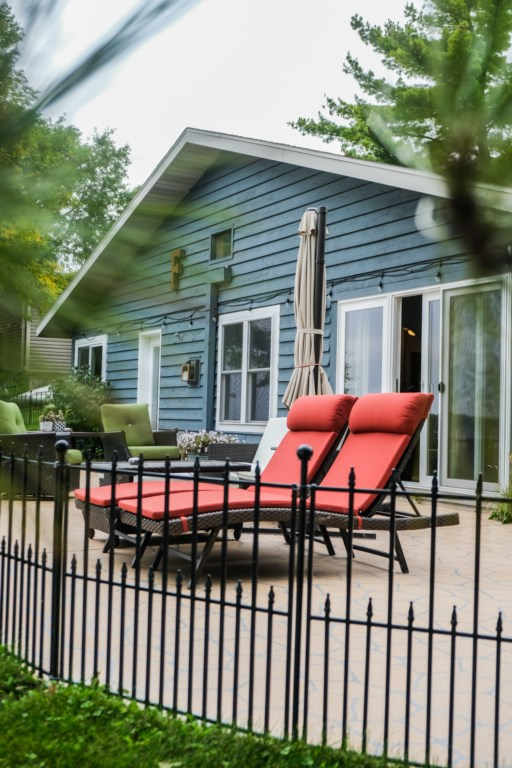 With 100ft of lake shore and a full lake side patio will provide hours of family enjoyment.