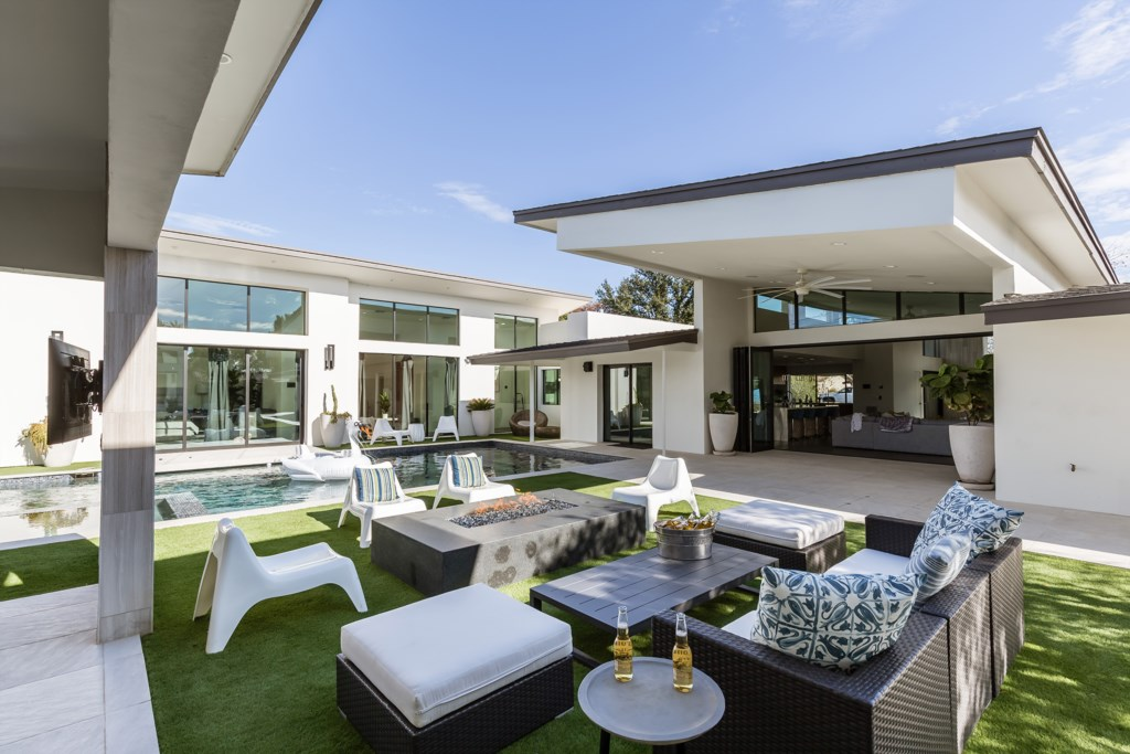 Enjoy this sexy backyard oasis with L.A. Vibes