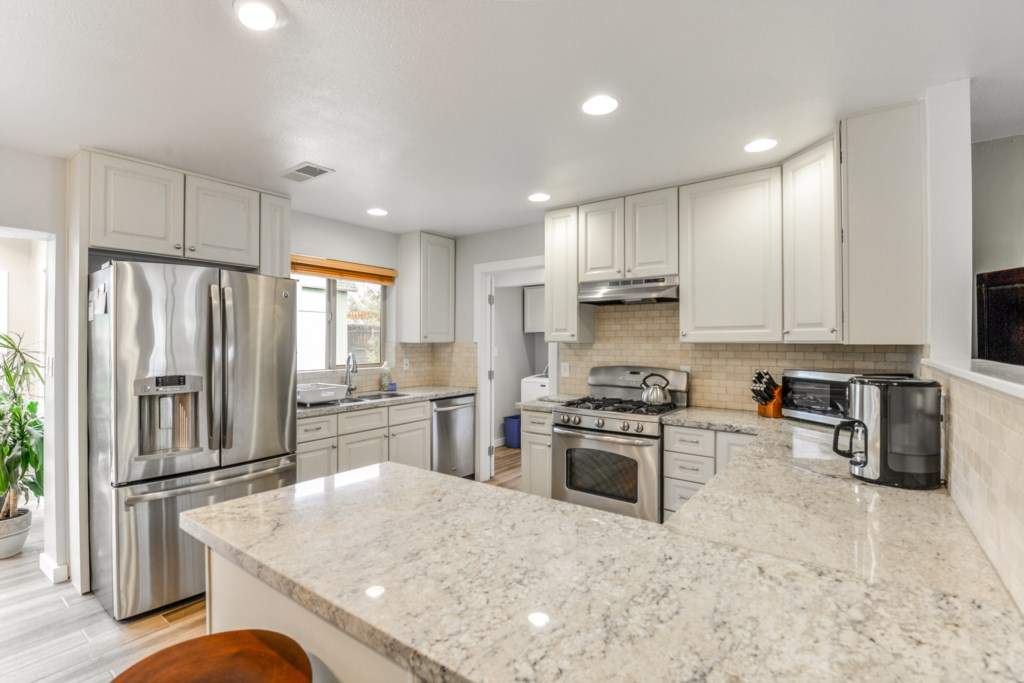 Granite Counters and Ample Cooking Space