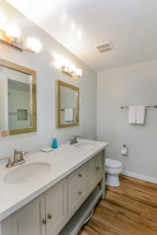 Double Sink in Bathroom - Perfect for Families