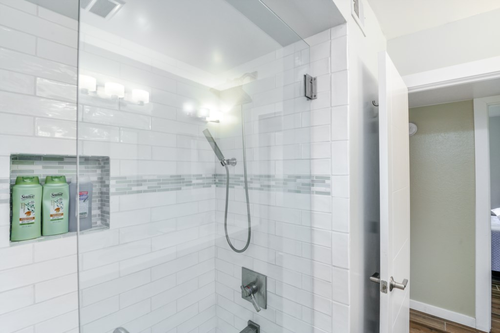 Tiled Shower with Removeable Showerhead