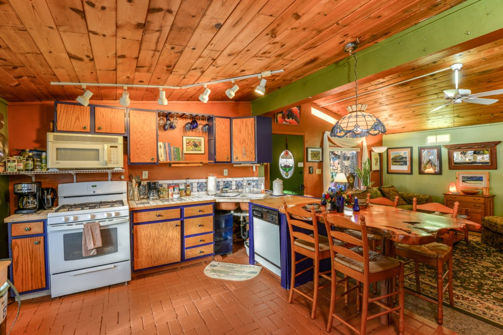 Funky Wooden Kitchen Perfect for Entertaining