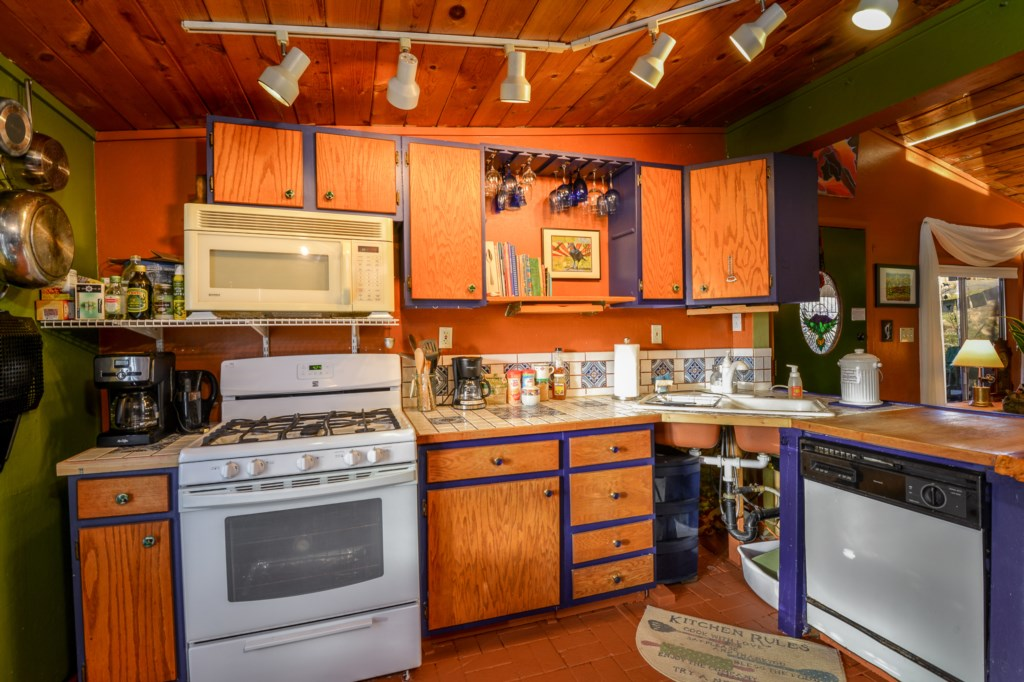 Cook Up a Hot Meal in our Flagstaff Cottage
