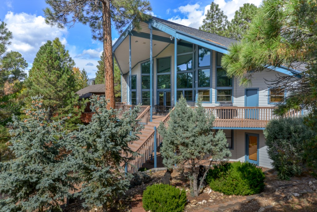 Stunning Home on Aspen Valley Golf Course Greens