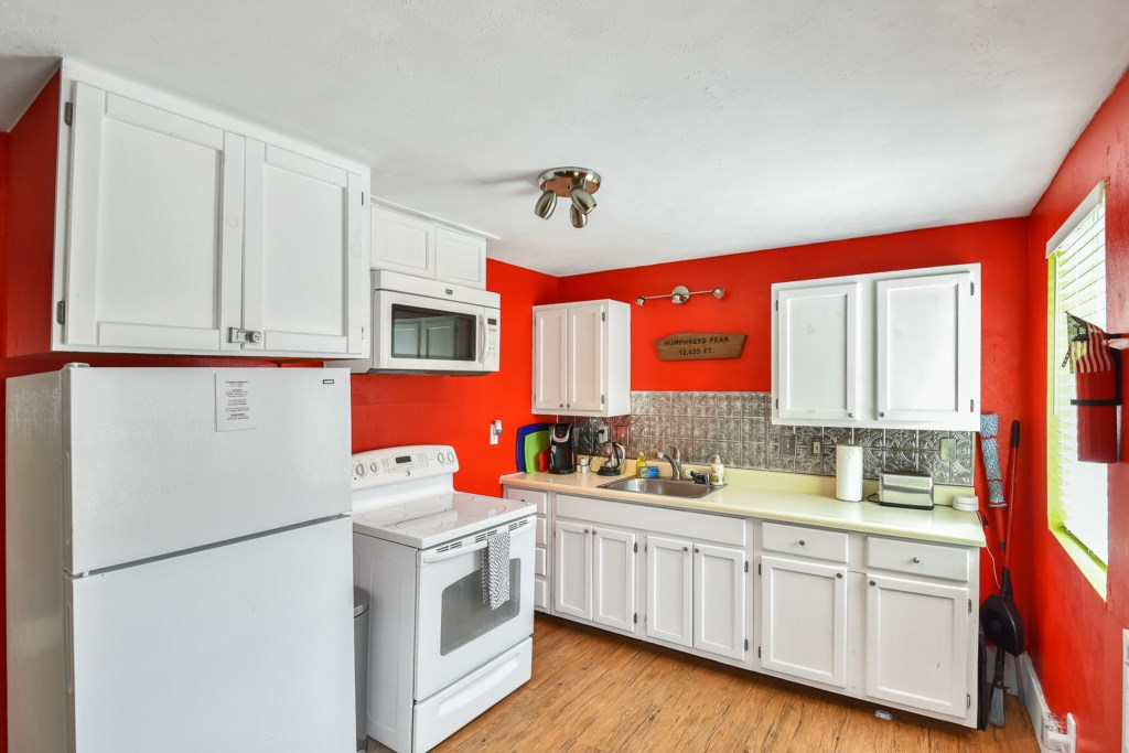 Funky Kitchen with Ample Cooking Space