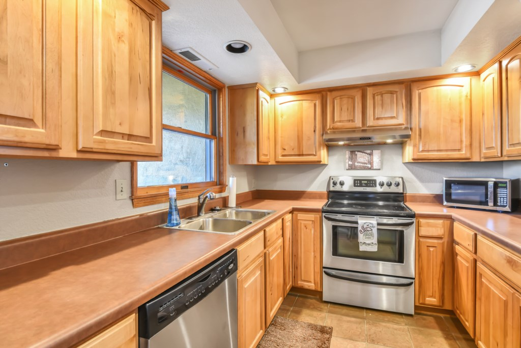 2841 Walnut HIlls Unit 3-0008.jpg