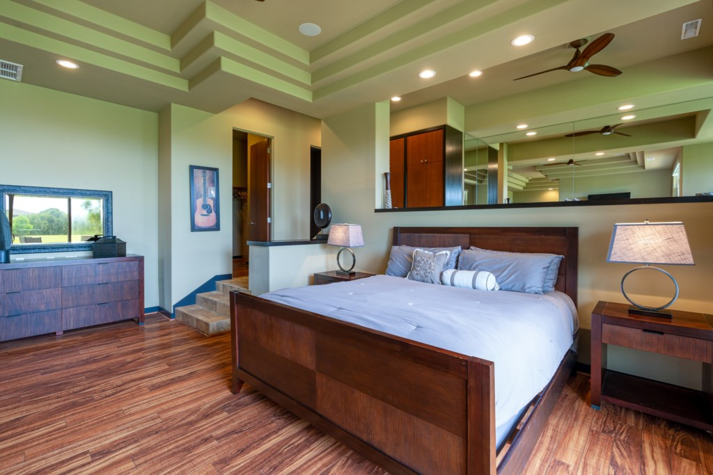 Bedroom with great lightening for your comfort with ceiling fan