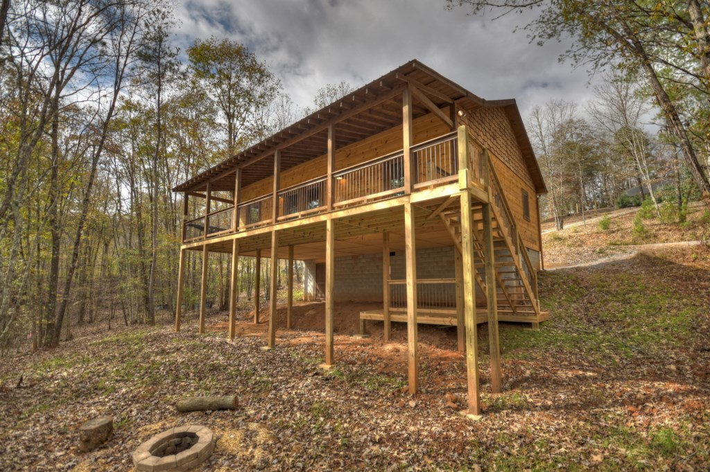 Enjoy the peacful serenity this cabin offer