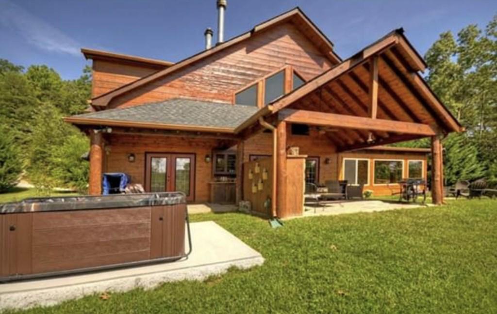 Beautiful 5 Bed 3.5 Bath Cabin in Blue Ridge