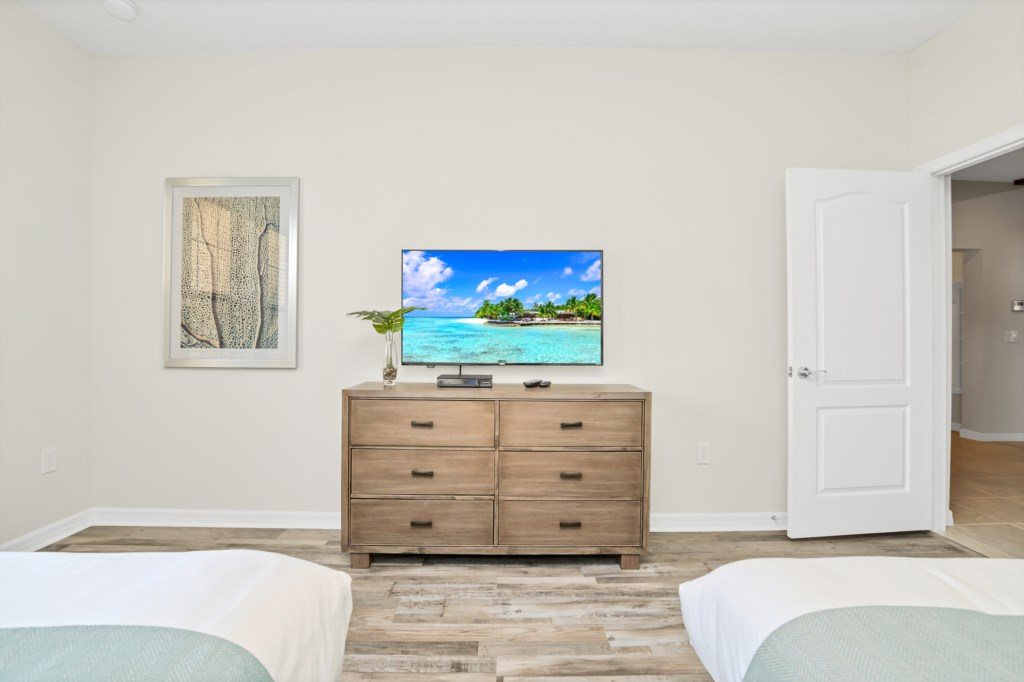 View 2 of beautiful 2 queen beds with flat screen TV