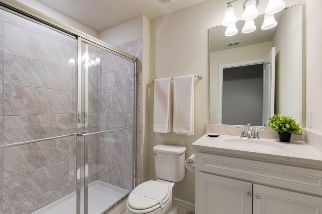20_Bathroom_0721.jpg