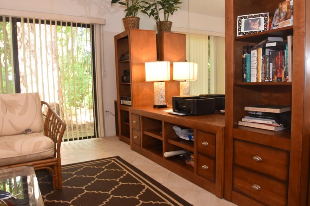 Living.Room.4.JPG