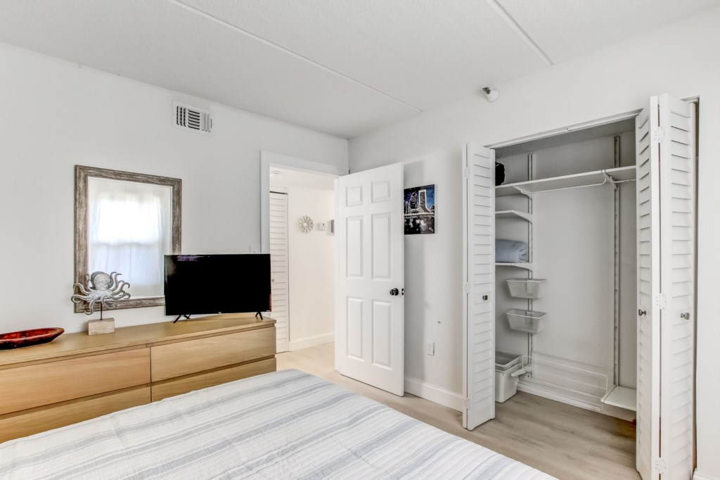 Spacious Room with Ample Storage