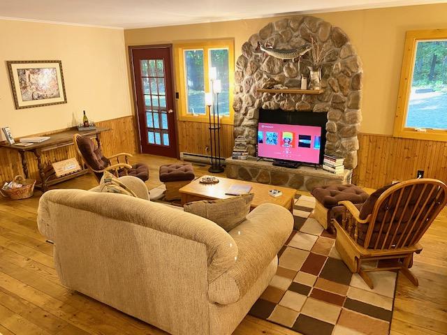 Main floor, living room