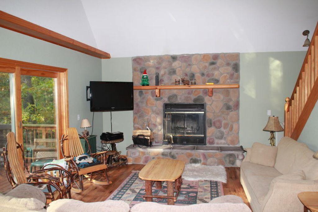 Main floor, living area