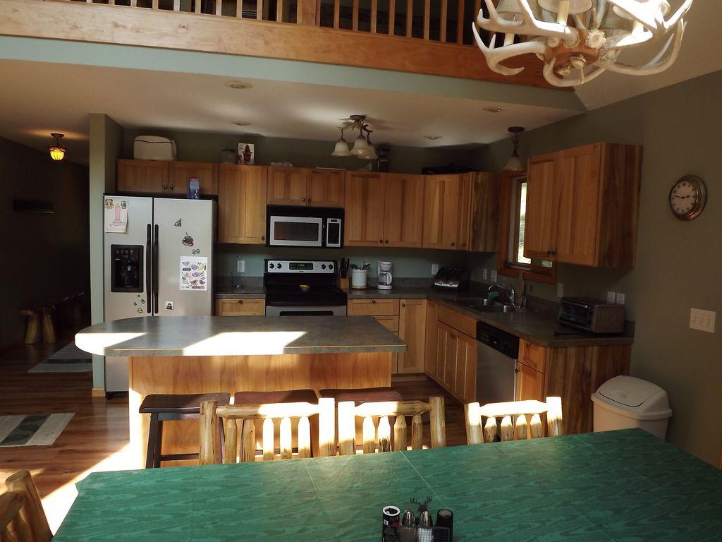 Main floor, kitchen