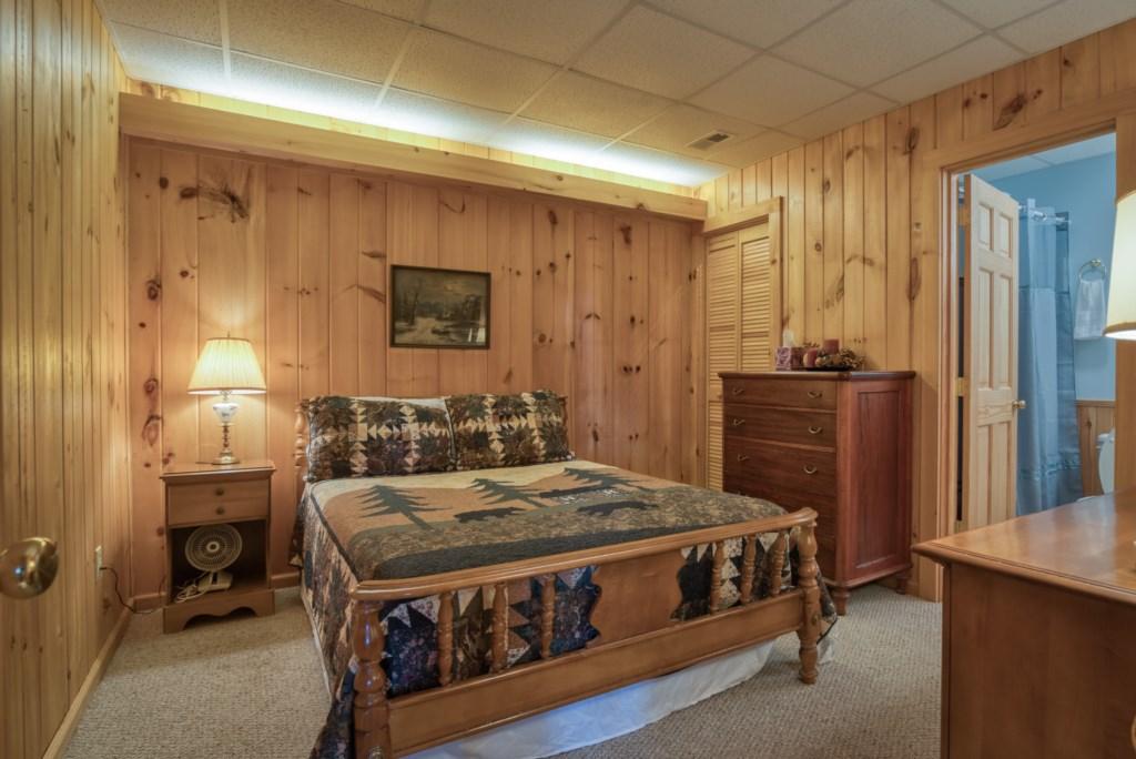 Bedroom 1 downstairs  En- suite