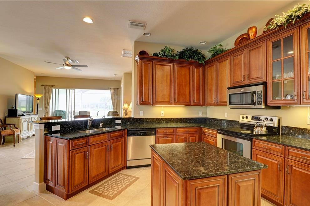 Well appointed Kitchen to prepare gourmet meals or snacks to eat by the pool