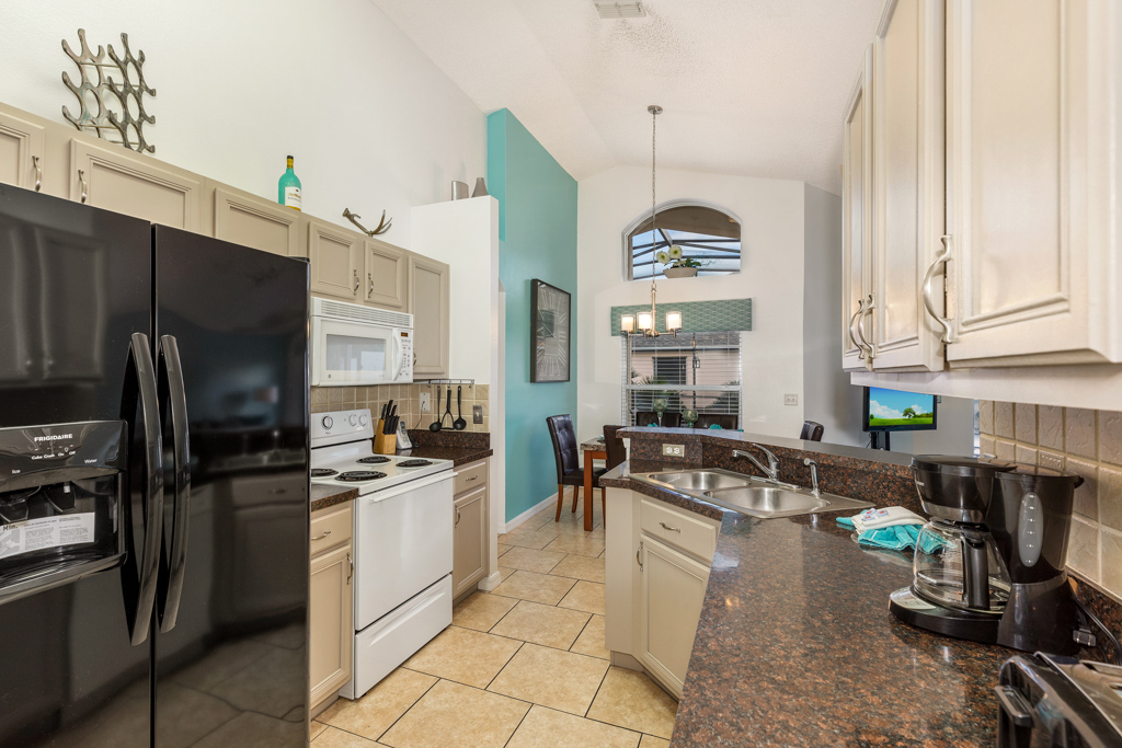 11. Fully equipped kitchen in Florida rentals.JPG