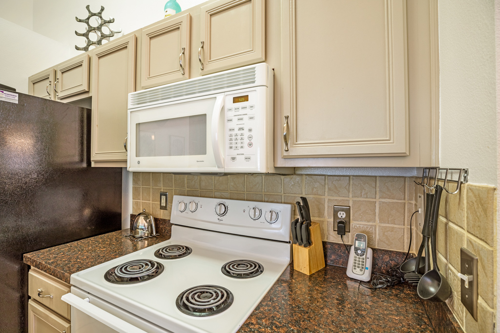 12. Florida homes with well equipped kitchen.JPG
