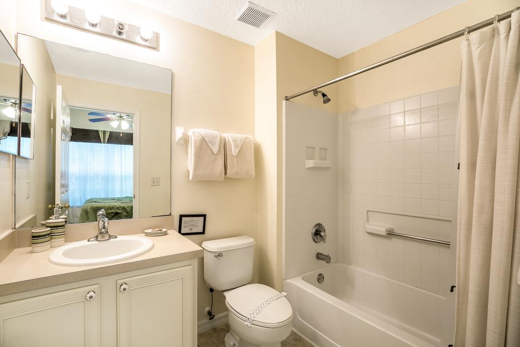 19. Master suite 2 bathroom.JPG