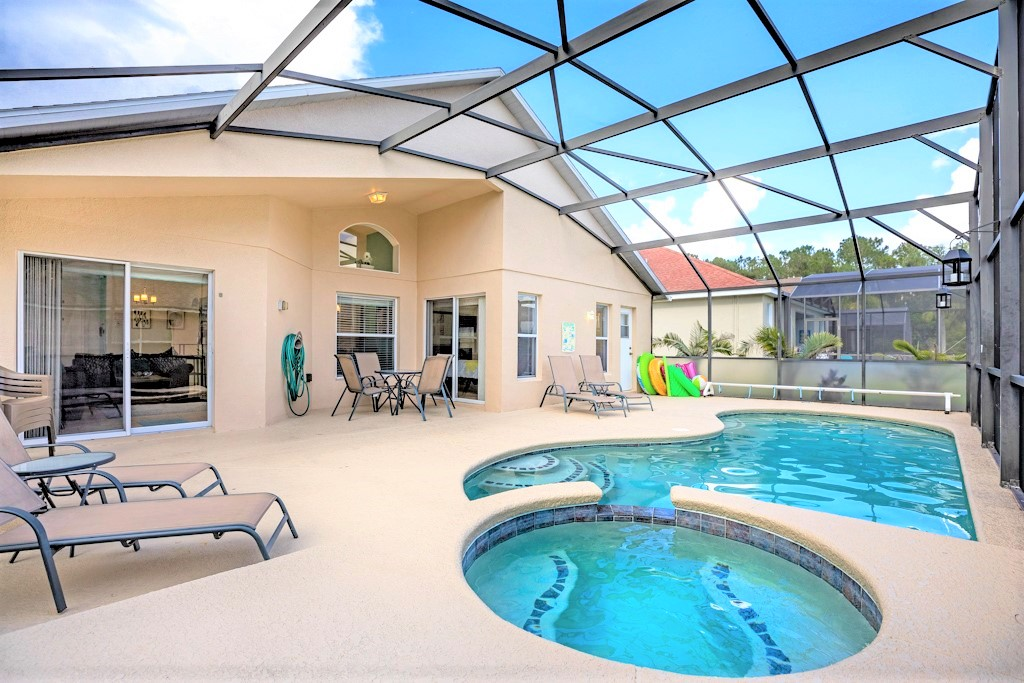 2. Florida villa with south facing private pool and spa.JPG