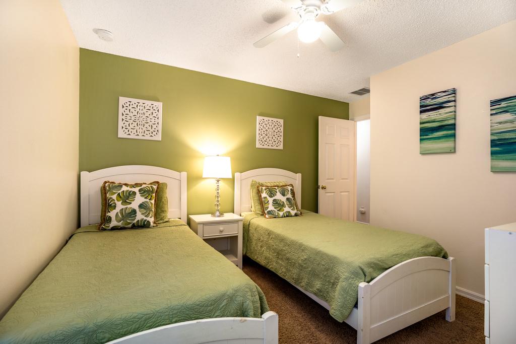 20. Twin bedroom with TV.JPG