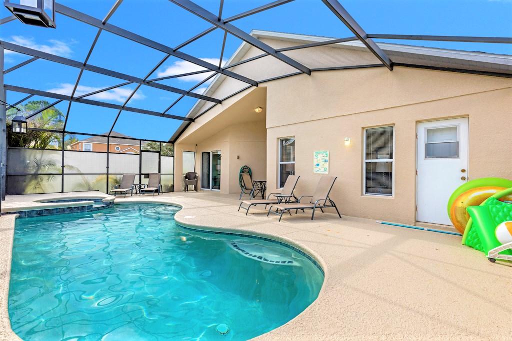 26. Florida villa with south facing pool.JPG