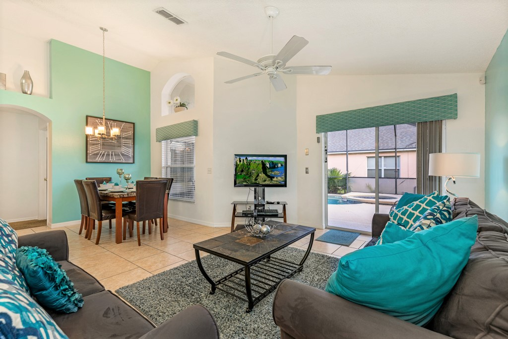 6. Florida rental with family lounge and dining area.JPG