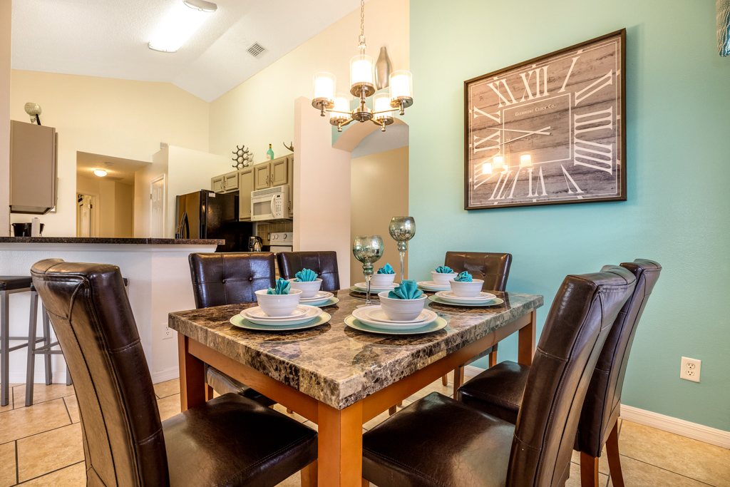 8. Florida rentals with dining area.JPG