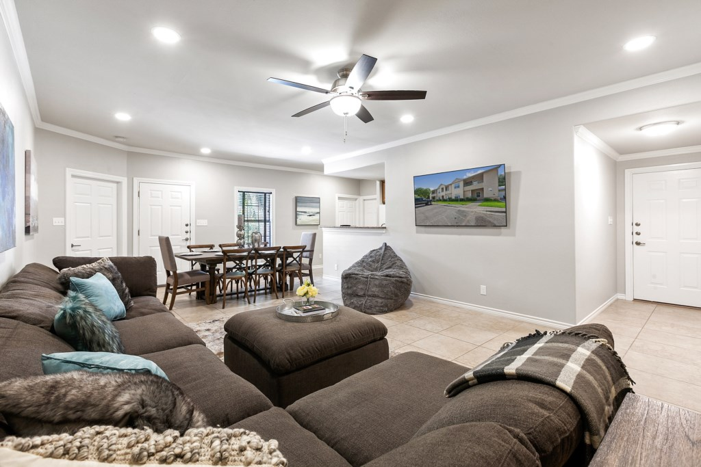 A comfortable and Cozi home for you and your group to relax after spending time in town!