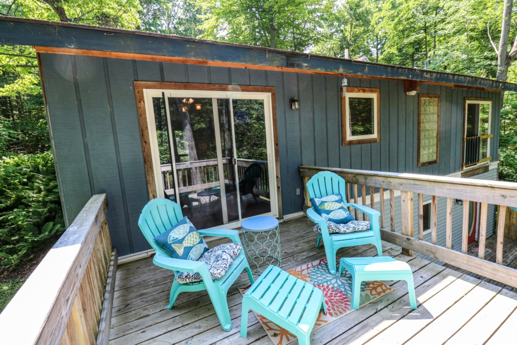 Deck with Entry to Kitchen/dining Area
