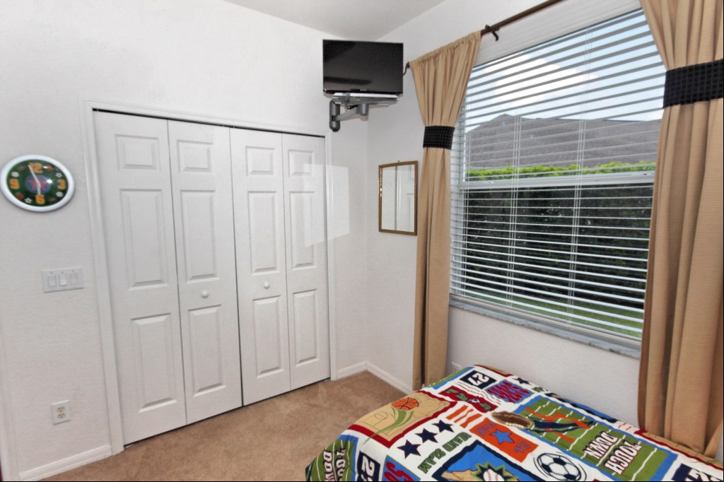 Bedroom 5 with cable TV/DVD