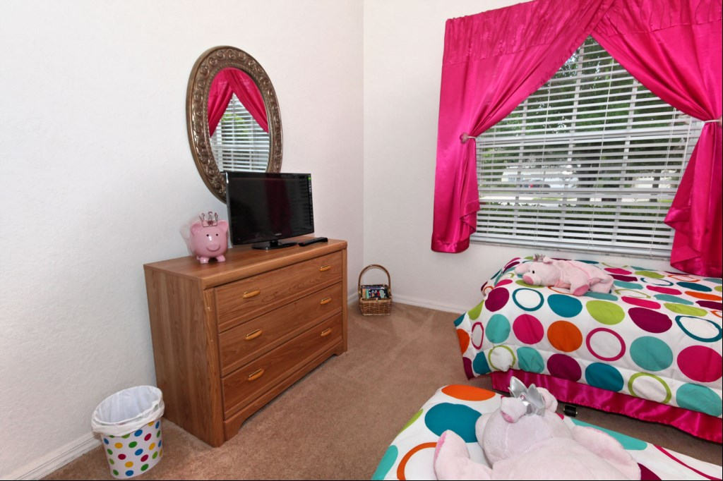 Bedroom 4 with cable TV/DVD