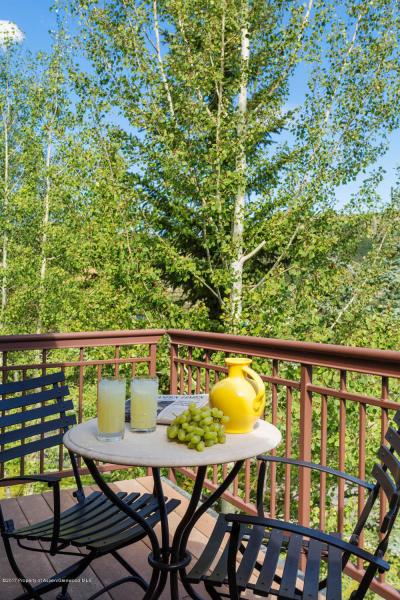 BalconyfromKingBedroom