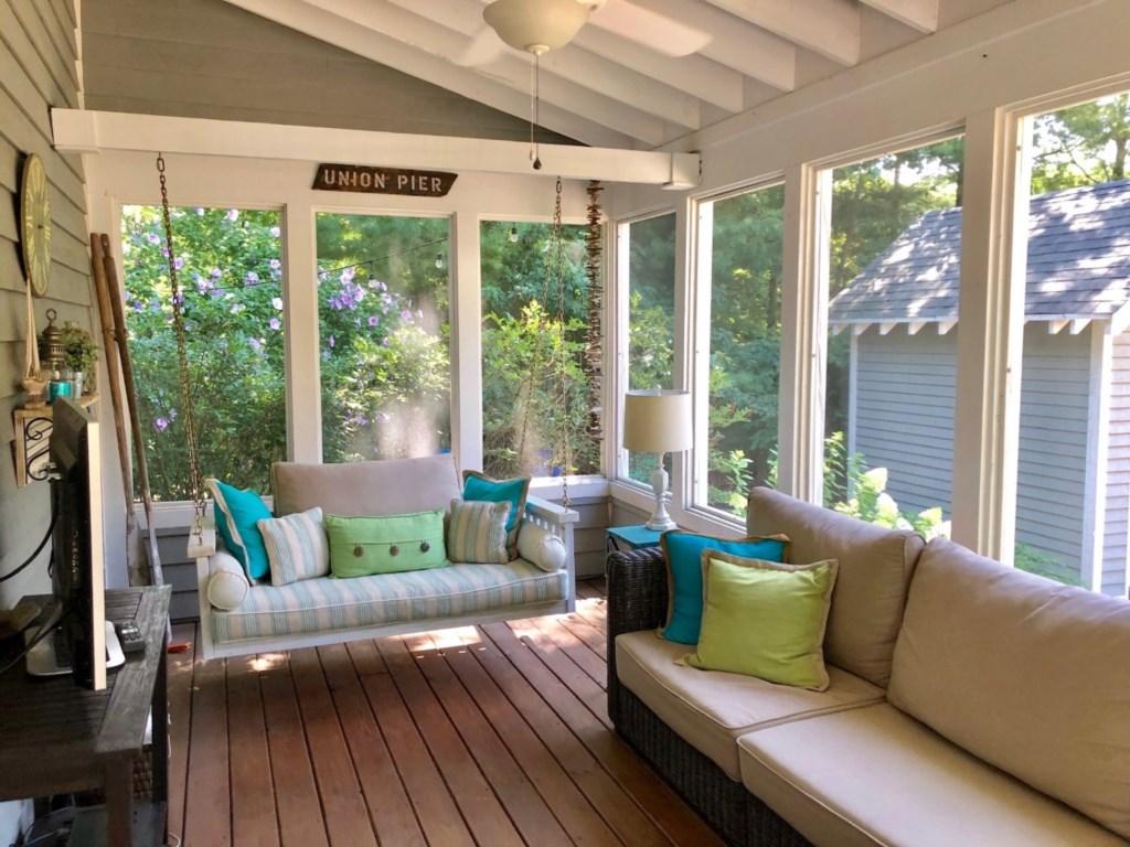 Beautiful Screened-In Porch