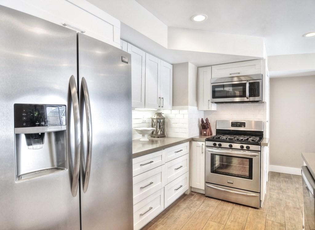 Newport beach vacation rental kitchen